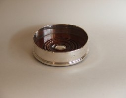 Decanter coaster