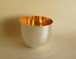 Hammered tumbler cup